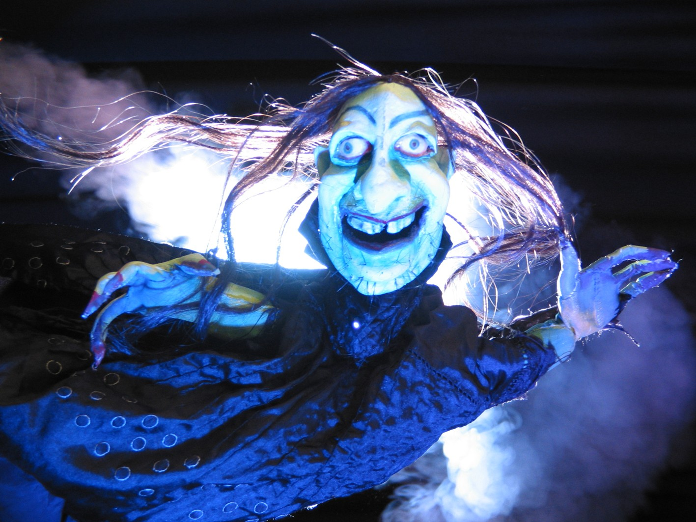 """""""Faust"""" als modernes Figurentheater"""